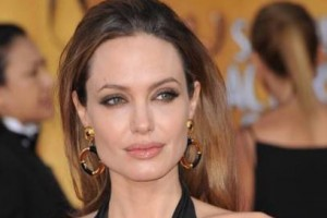 Angelina Jolie Will Go Under The Knife One More Time To Have Ovaries Removed!